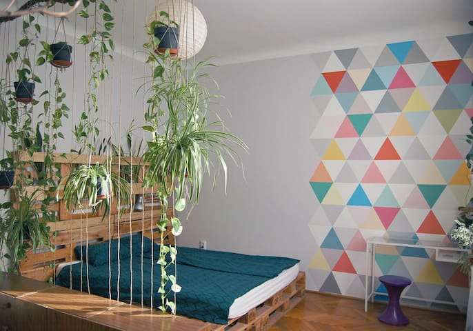 Artistic & Colorful Wonderland with Plants+Balcony