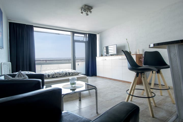 FLOOR 9 live central in the Rhine/Ruhr Area