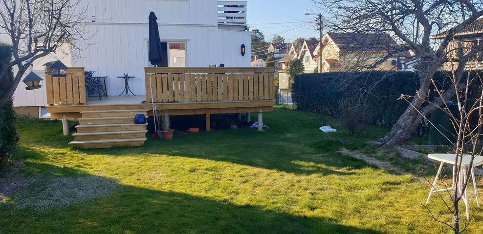 Nice and renovated halfhouse with  garden, central