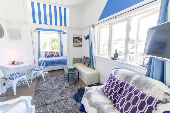 Bondi Beach Designer apartment in great location .