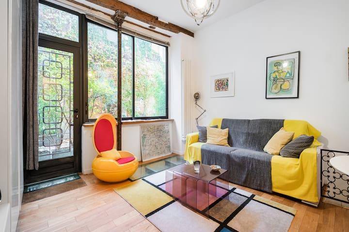 506 sq. ft. Loft + terrace near Bastille