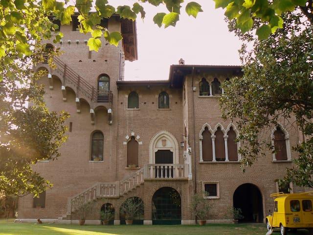 Villa Bartolomea的民宿