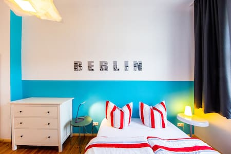 clean calm cosy central Berlin Wedding apartment