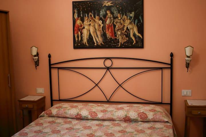 Camera in casa vacanza Novoli S. Donato Firenze