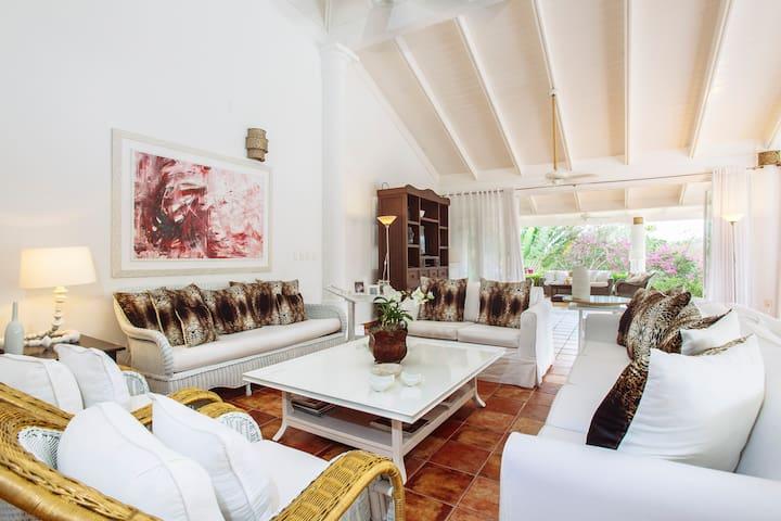 3bdr villa 7000 ft2 casa de campo pool chef maid