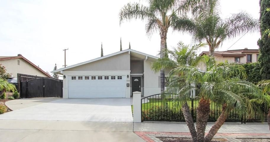 Bright, Clean Newly Furnished Buena Park Home