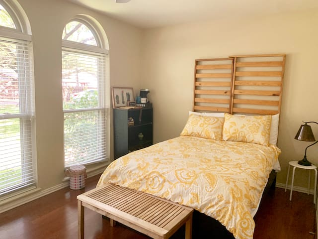 Bright spacious private bedroom & bathroom