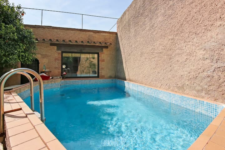 Medieval castle w/free WiFi & private pool!