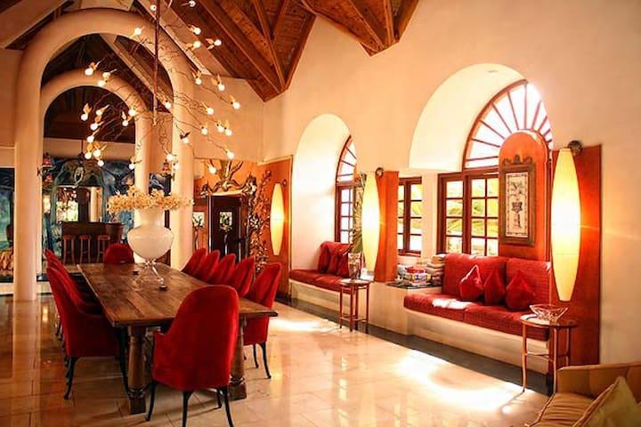 Special: Beautiful villa, private pool near beach