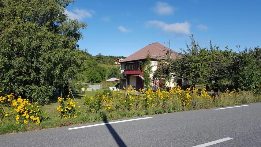 Montclar的民宿