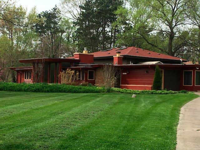 Avant Garde Home with Indoor Heated Pool and Sauna