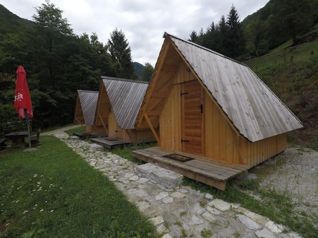 Grahovo ob Bači的民宿