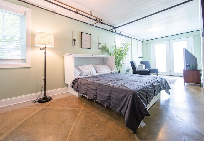 Charlottesville Guest Suite With Private Entrance