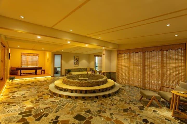 日式超豪华锶温泉水疗套房(2201房)