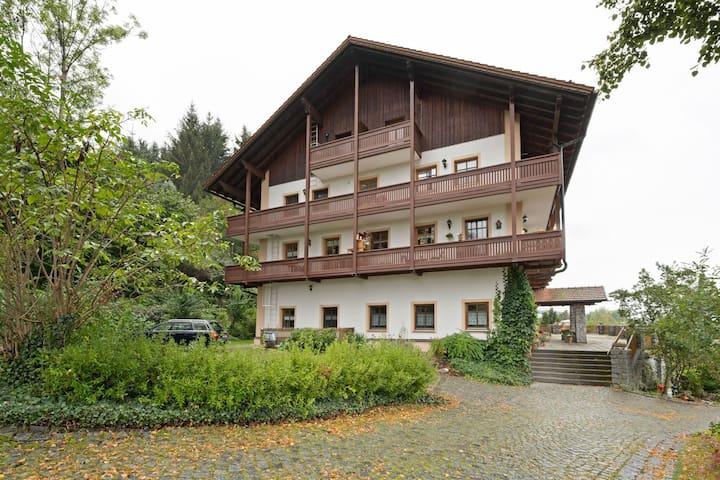 Schwarzenbach的民宿