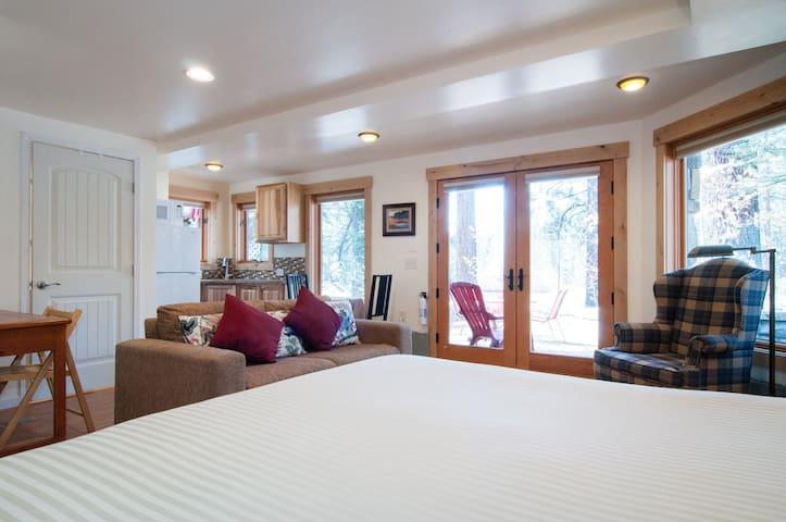 塔荷维斯塔(Tahoe Vista)的民宿