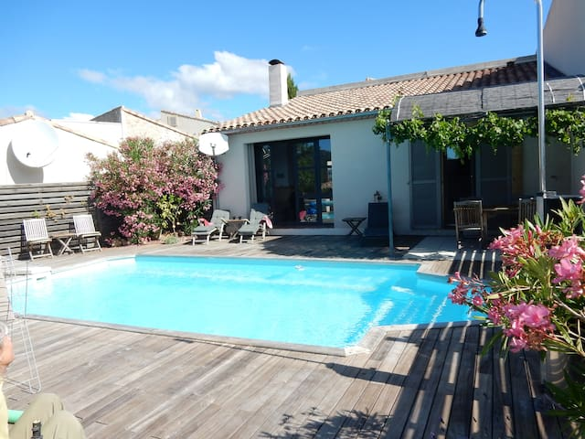 Gorgeous Villa with Private pool, WiFi, AirCon