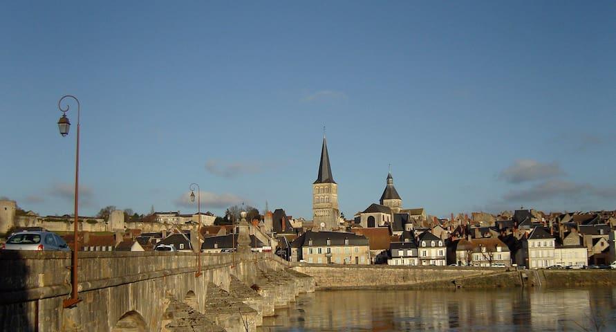 Mesves-sur-Loire的民宿