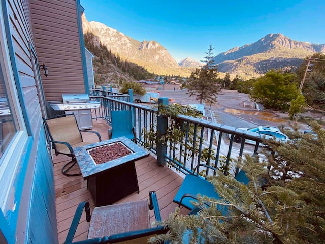 Ouray Paradise! 500MBPS and steps from hot springs