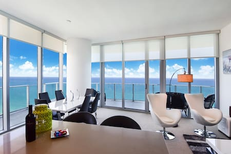 Ocean Front Lower Penthouse, Stunning Vews