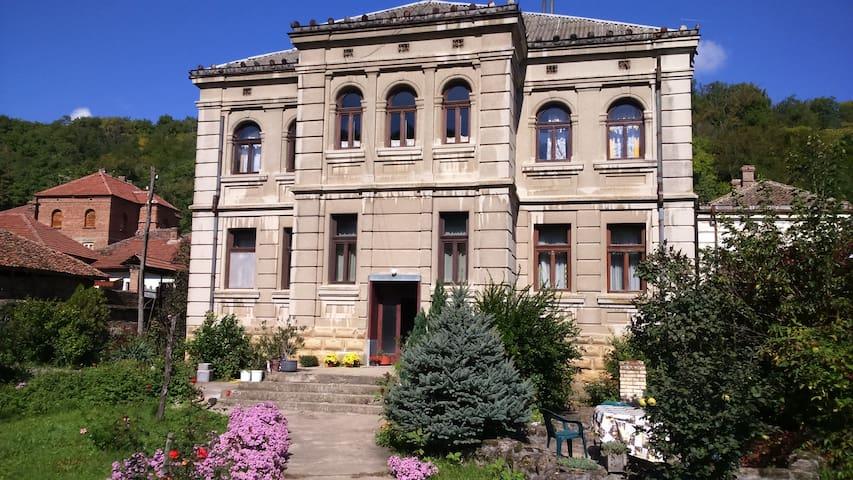 Rogljevo的民宿
