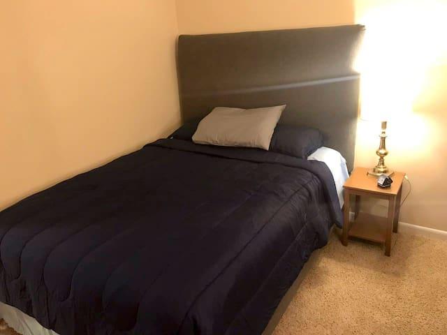 Beautiful Private room in quiet neighborhood!