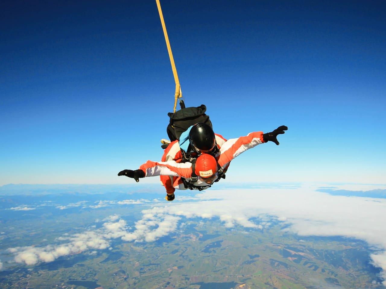 新西兰如果一生中只能跳一次伞,一定要来尼尔森塔斯曼!