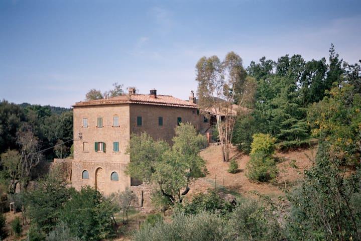 Lustignano的民宿