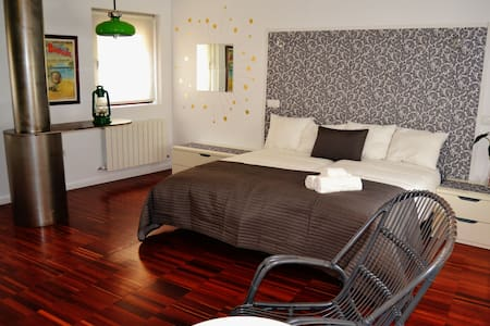 Casa con parking+terraza particular