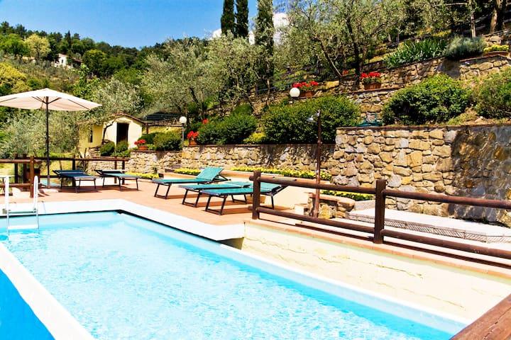 Tuscan villa in the Chianti hills
