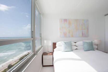 New 16th Floor Beachfront 180º Oceanview Apartment