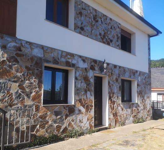 Santa Eulalia de Oscos的民宿