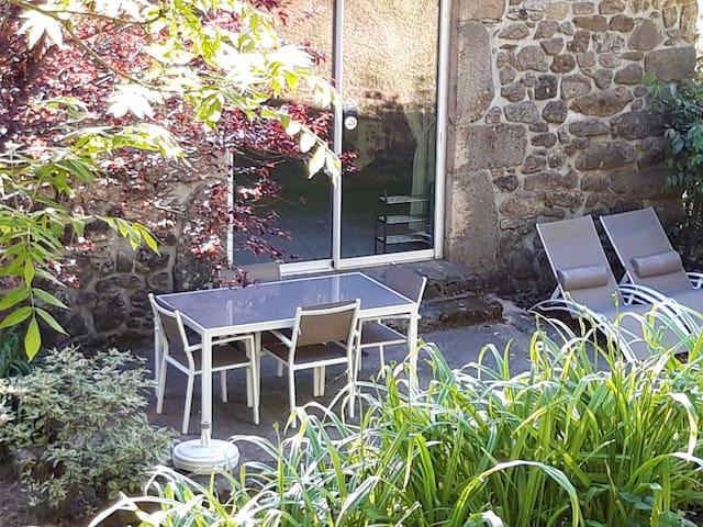 Fraisse-sur-Agout的民宿