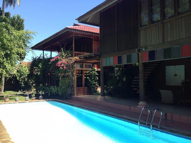 Pineleng的民宿