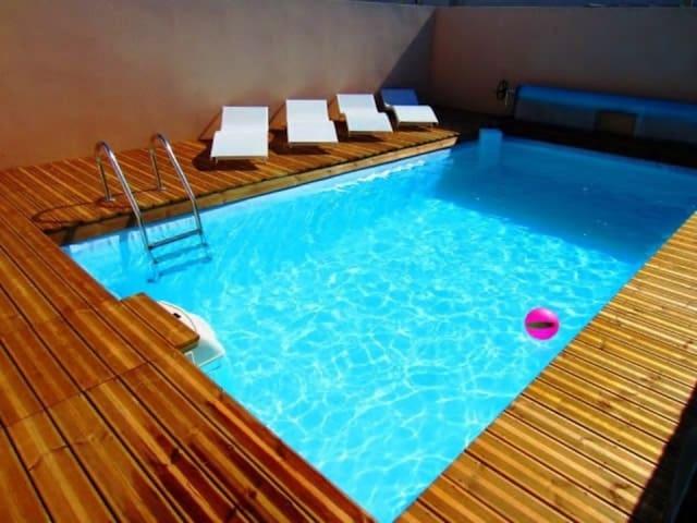 Villa Les Grenats piscine & spa en options