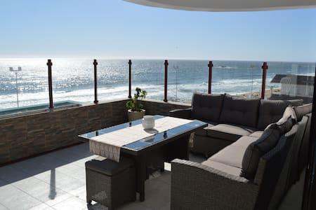 Large Reñaca Beach Apt: StunningViews+WIFI+Parking