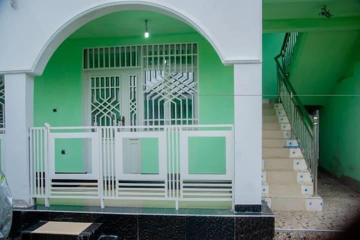 Logement spacieux et propre à l'UPN, Kinshasa.