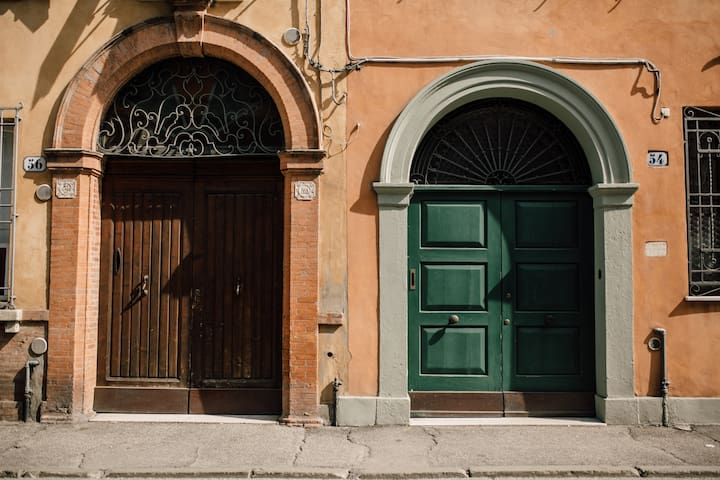 Charming, luxury studio in historic building.
