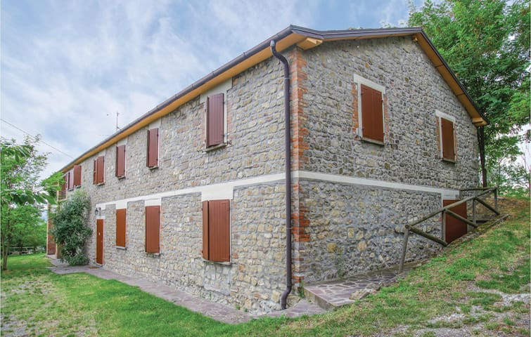 Holiday apartment with 2 bedrooms on 50m² in Monterenzio BO