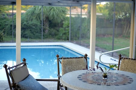 Pool & fenced-in yard in downtown edge bungalow