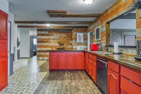 Newly updated house, walking distance from stadium
