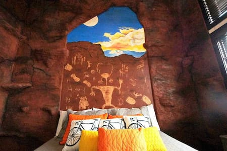 Reopening May 1! Downtown Condo in Moab with Rock Climbing Wall - Scalatore ~ #5