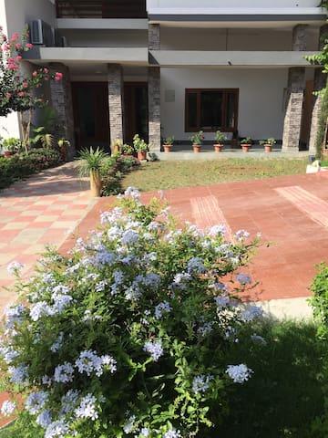 德拉敦(Dehradun)的民宿