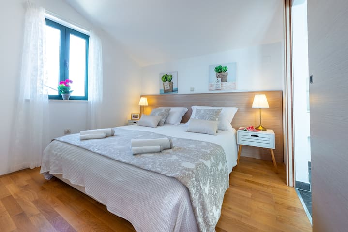 """Apartmant """"Mariposa"""" - 2 Minutes to the Old town"""
