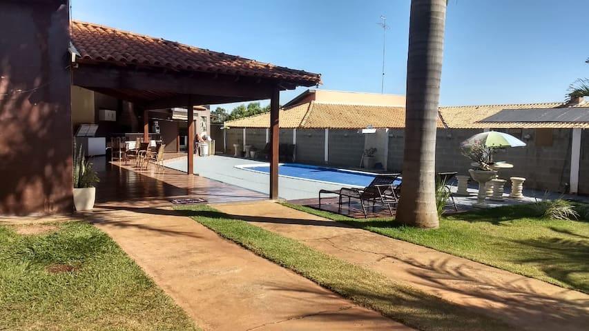 Fernandópolis 的民宿