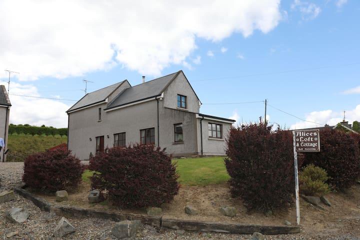 Castleblayney的民宿