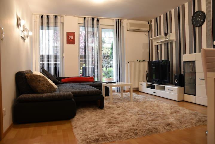 Anna & Gábor's Ciprus Apartman with Garage&Garden