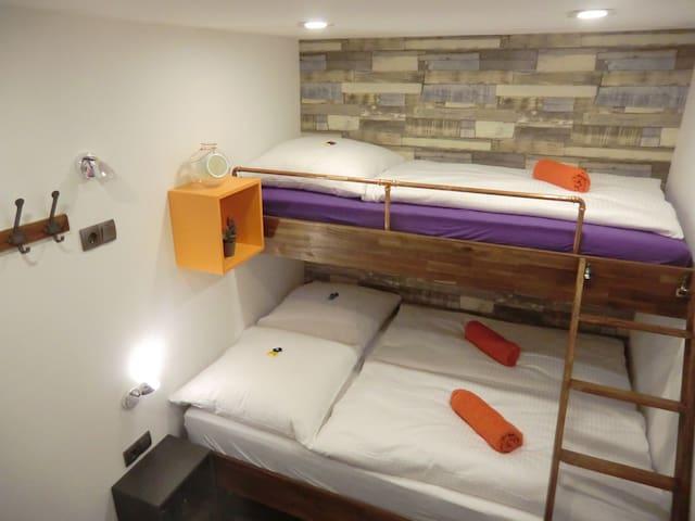 #11 sleep box, small, smart, cozy! best area +SNES