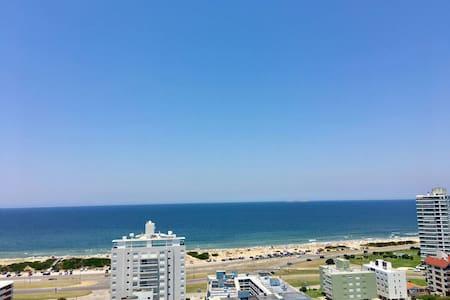 Ocean loft, Near beach. Piso alto, amenities!