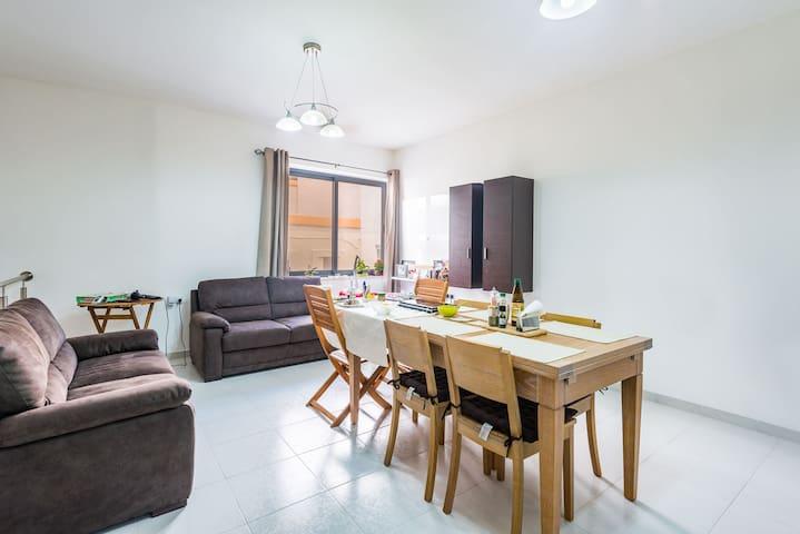 Private room with sunny patio near Sliema&Valletta